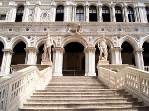 Doge's Palace Courtyard by Jeni Foto