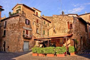 Medieval Italian Village by Jeni Foto