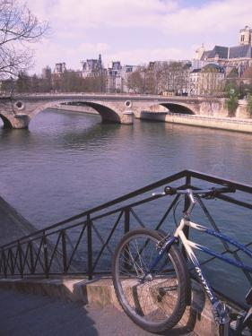 Paris, France by Jennifer Broadus