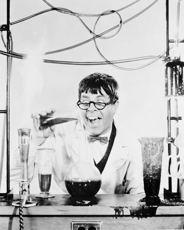 https://imgc.allpostersimages.com/img/posters/jerry-lewis-the-nutty-professor-1963_u-L-PJTCSR0.jpg?artPerspective=n