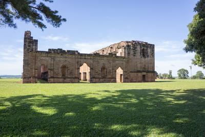 https://imgc.allpostersimages.com/img/posters/jesus-de-tavarangue-one-of-the-best-preserved-jesuit-missions-paraguay_u-L-PWFDYV0.jpg?p=0