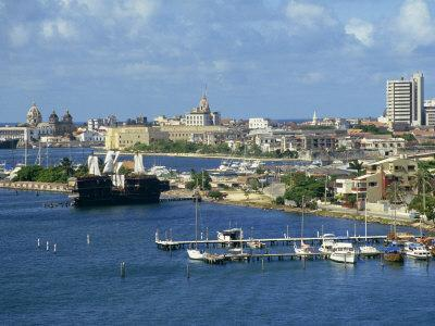 https://imgc.allpostersimages.com/img/posters/jetties-harbour-and-skyline-of-the-city-of-cartagena-in-colombia-south-america_u-L-P7NHVK0.jpg?p=0