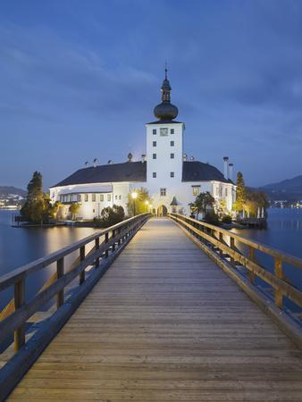https://imgc.allpostersimages.com/img/posters/jetty-towards-schloss-orth-gmunden-traunsee-upper-austria_u-L-Q11YWR10.jpg?p=0