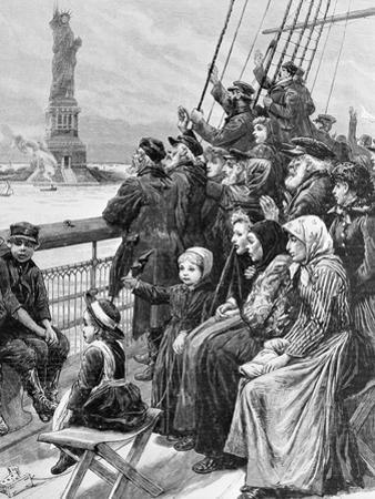 Jewish Refugees Pass Statue of Liberty