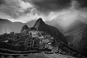 The Pre-Columbian Inca Ruins of Machu Picchu by Jim Richardson