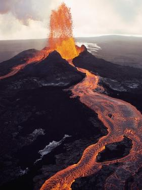 Kilauea Volcano Erupting by Jim Sugar