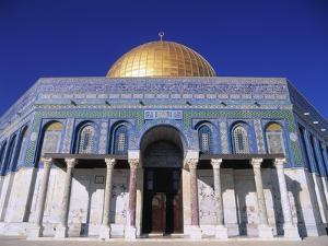 Exterior and Front View of Dome of the Rock by Jim Zuckerman