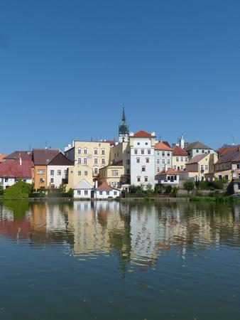 https://imgc.allpostersimages.com/img/posters/jindrichuv-hradec-with-its-reflection-in-lake-vajgar_u-L-Q1EYEM40.jpg?artPerspective=n