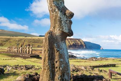 Moai at Ahu Tongariki by jkraft5