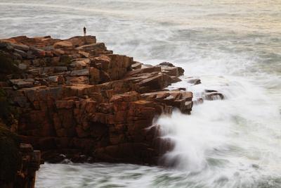Maine, Acadia NP, Ocean Waves Breaking on Rocks Along Ocean Drive