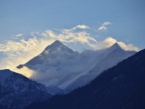 Annapurna Himal Seen from Titi, Annapurna Conservation Area, Dhawalagiri (Dhaulagiri), Nepal by Jochen Schlenker