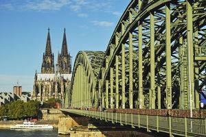 Cologne Cathedral by Jochen Schlenker