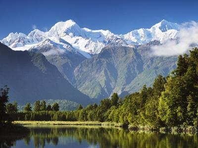 Lake Matheson, Mount Tasman and Mount Cook, Westland Tai Poutini National Park, New Zealand