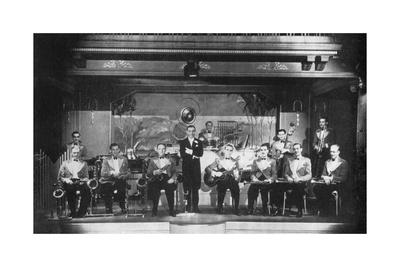 https://imgc.allpostersimages.com/img/posters/joe-loss-and-his-jazz-band-1936_u-L-PS2WQN0.jpg?p=0