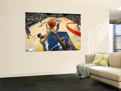 Detroit Pistons v Memphis Grizzlies: Marc Gasol and Ben Wallace