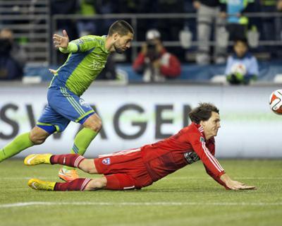 2014 MLS Playoffs: Nov 10, FC Dallas vs Seattle Sounders - Clint Dempsey, Zach Loyd
