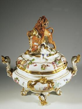 Monumental Tureen Bearing the Coat of Arms of Saxony and Poland by Johann Joachim Kandler