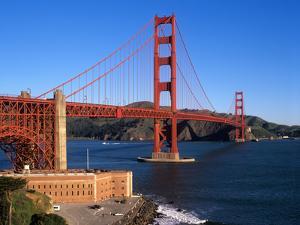 Golden Gate Bridge, San Francisco, California, USA by John Alves