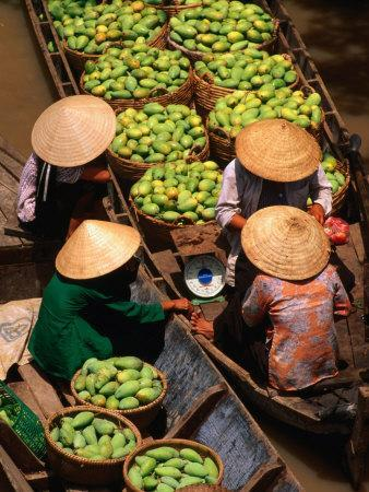 Floating Market along the Mekong Delta, an Giang, Vietnam