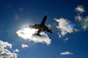 747 Coming into Land by John Clutterbuck