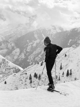 Actor Robert Redford Skiing by John Dominis
