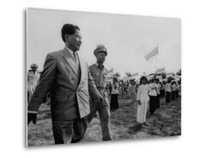 Ngo Dinh Diem, Visiting Refugee Settlements by John Dominis