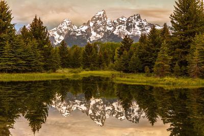USA, Wyoming, Grand Teton National Park, Schwabacher Landing, Sunrise