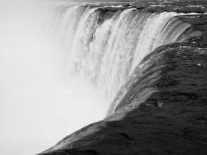Niagara Falls BW by John Gusky