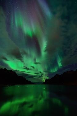 Aurora in Ersfjordbotn by John Hemmingsen