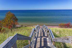 Michigan, Keweenaw Peninsula. Great Sand Bay, trail to beach and Lake Superior by John & Lisa Merrill