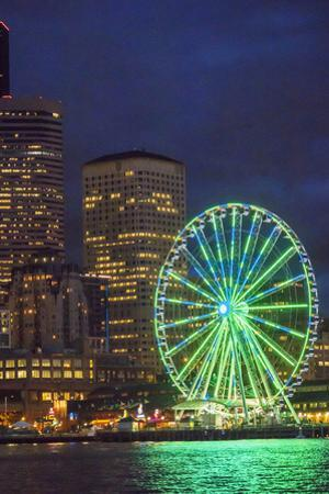USA, Washington State, Seattle. The Seattle Great Wheel on the waterfront. by John & Lisa Merrill