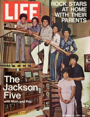The Jackson Five with their Father and Mother, Joseph and Katherine, September 24, 1971 by John Olson