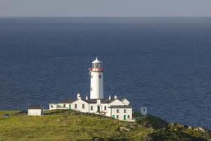 Fanad Head Lighthouse and the Atlantic Ocean, County Donegal, Ulster, Republic of Ireland, Europe by John Potter