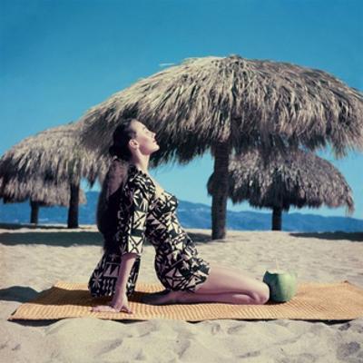 Vogue - June 1955 by John Rawlings