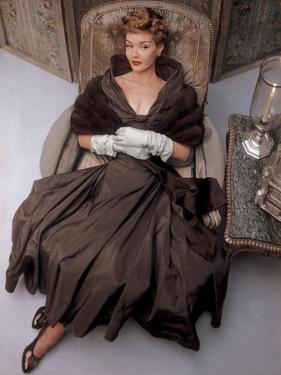 Vogue - October 1948 by John Rawlings