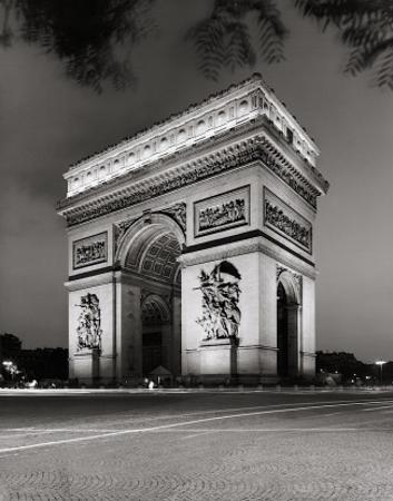 Arc de Triomphe by John W. Golden