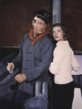 John Wayne / Lauren Bacall BLOOD ALLEY, 1955 directed by WILLIAM A. WELLMAN (photo)