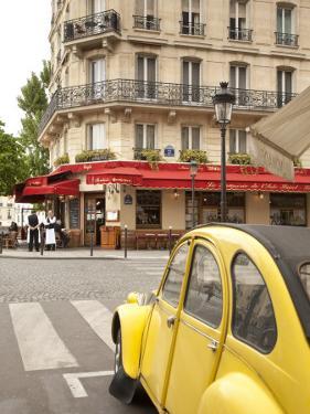 Ile St. Louis, Paris, France by Jon Arnold