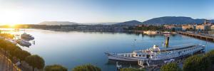 Lake Geneva, Geneva, Switzerland by Jon Arnold