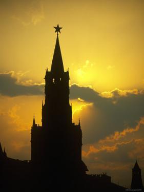 Saviour's Tower, Kremlin, Moscow, Russia by Jon Arnold