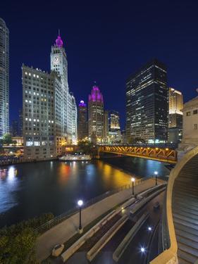 Chicago Skyline at Dusk over the Chicago River. by Jon Hicks