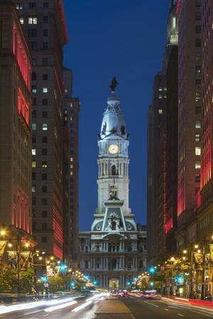 Philadelphia City Hall. by Jon Hicks