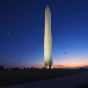 The Washington Monument, Washington Dc. by Jon Hicks