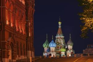 View of St Basil's Cathedral from Manezh Square. by Jon Hicks