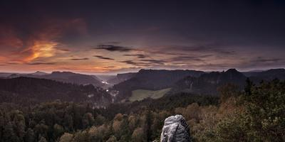 View from Gamrich in the Elbtal, Direction to Rathen with Sunset