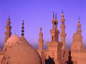 Sultan-Hassan-Mosque in the evening by Jos? Fuste Raga