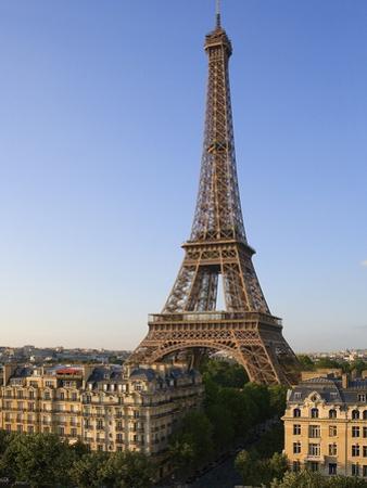 Eiffel Tower by José Fuste Raga