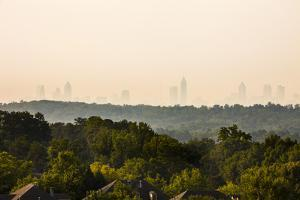 Vinings, Cobb County with Atlanta in the Background, Georgia, USA by Jose Luis Stephens