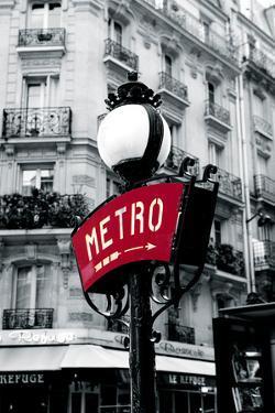 Paris Metro by Joseph Eta