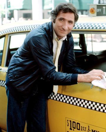 Judd Hirsch - Taxi